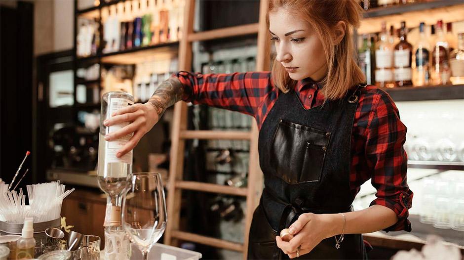 Работа бармена для девушек москва работа в уголовном розыске девушкам